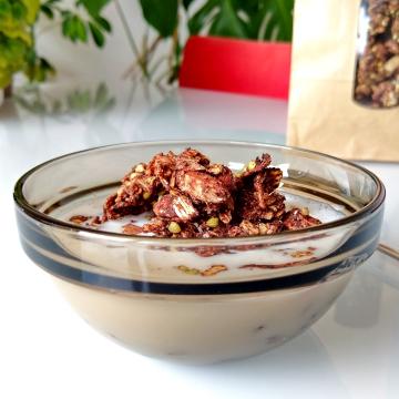 Boekweit-cacaogranola met kokoschips