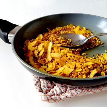 Gouden granola uit de koekenpan