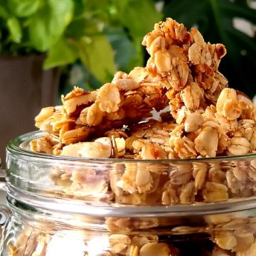'Hot honey' granola